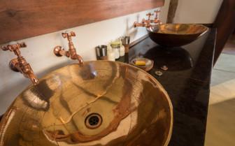 Bathroom details at the Luangwa Safari House