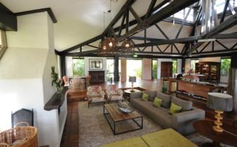 Homestead Lounge in daylight