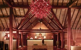 Four Seasons Hotel reception