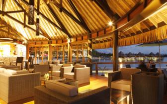 Hotel Kia Ora bar interior