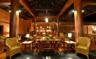Bagan Lodge dining room