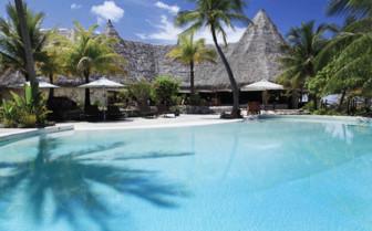 Tikehau Resort pool