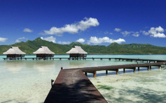 Vahine island over water lodges