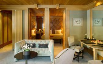 Ski Piste Suite living room