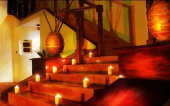Lit up staircase at Quinta Chanabnal