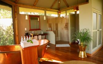 Sala's Camp bathroom