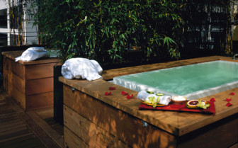 Outdoor spa hot tub at Hotel Vitale, luxury hotel in Big Sur