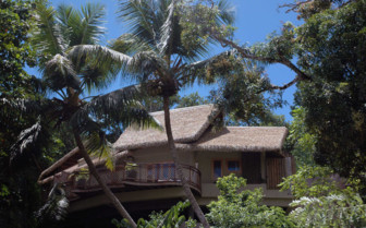 Villa de Charme in tropical setting