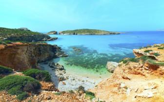 Blue lagoon on Comino Island