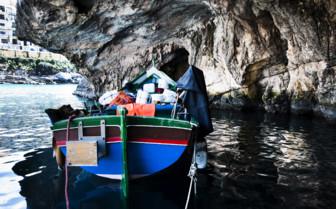 Xlendi bay boat
