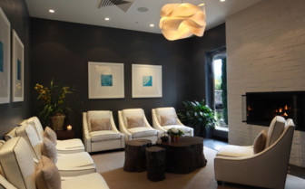 The spa guest lounge at Hotel Yountville