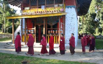 Rinchenpong Buddhist monks