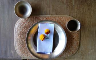 Dining table in Radhu Kandu