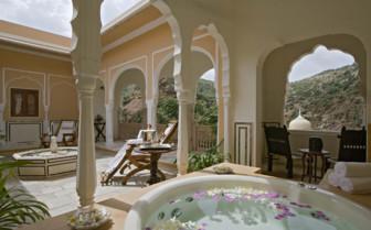 Royal Suite Jacuzzi, Samode Palace