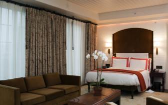 Bowery hotel guestroom gredit gregory goode 2