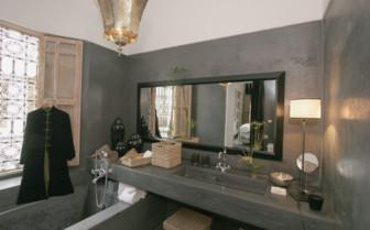 Loggia Suite bathroom