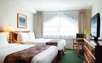 deluxe queen beds