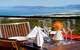 beach view dining