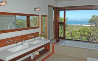 Suite Bathroom at Grootbos