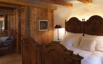 Aurora Bedroom at White Deer San Lorenzo