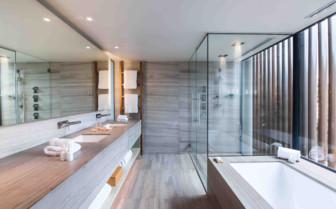 Saffire Freycinet bathroom