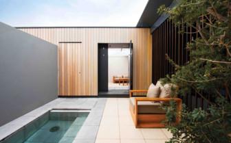 Premium courtyard