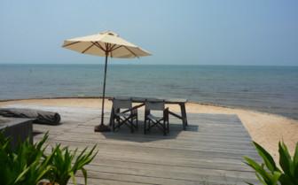 The beach at Knai Bang Chatt