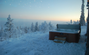 Jacuzzi at the Levi Igloos