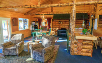 Lounge at Winterlake Lodge
