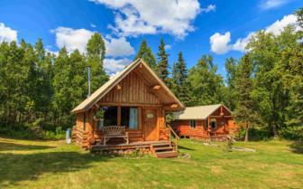 Mountain Pass Cabin at Winterlake Lodge