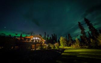 Night sky over Ultima Thume Lodge