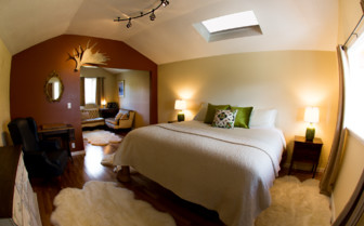 Double Bed at Ultima Thume Lodge