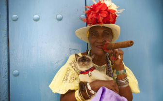 Havana lady with cigar