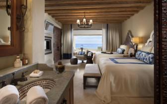 Deluxe suite with ocean views