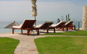 Sun loungers at Las Ventanas al Paraiso
