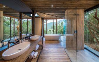 Bathroom, Settler's Drift