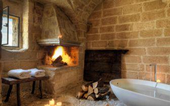 Bathtub Suite, Sextantio Grotte Della Civitta Matera
