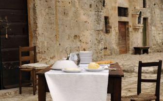 Dining Terrace, Sextantio Grotte Della Civitta Matera