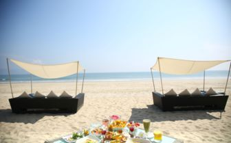 Beach Breakfast, Fusion Maia