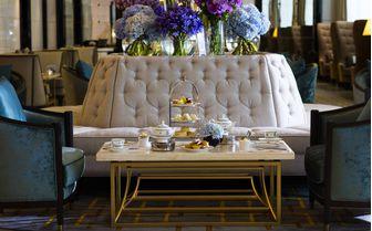 Rtiz Carlton Lounge