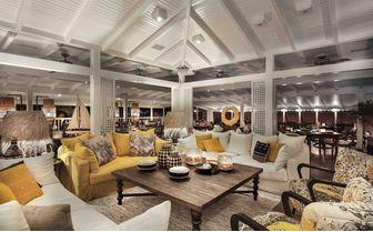 villa marie lounge area