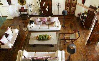 Pointe Sud Living Room