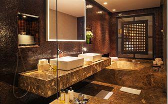 Senior suite bathroom