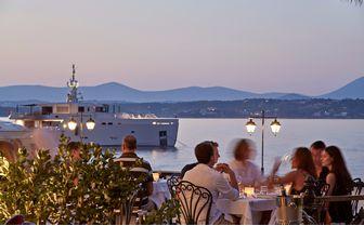 On_the_Verandah_Restaurant-view