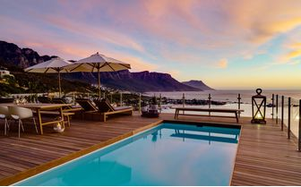 cape_view_sunset_on_pool_deck