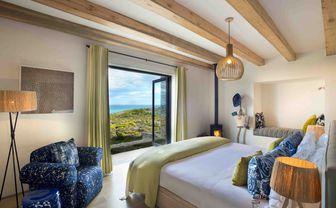 Morukuru_Ocean_House_bedroom_with_view