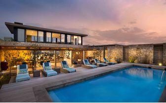 Morukuru_Ocean_House_patio_and_pool
