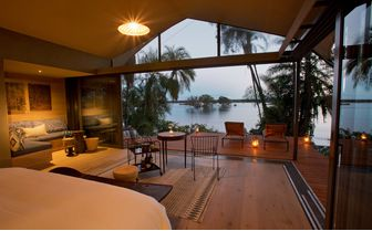 thorntree_river_from_room
