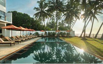 KK_beach_pool