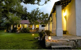 estancia_los_potreros_external_evening